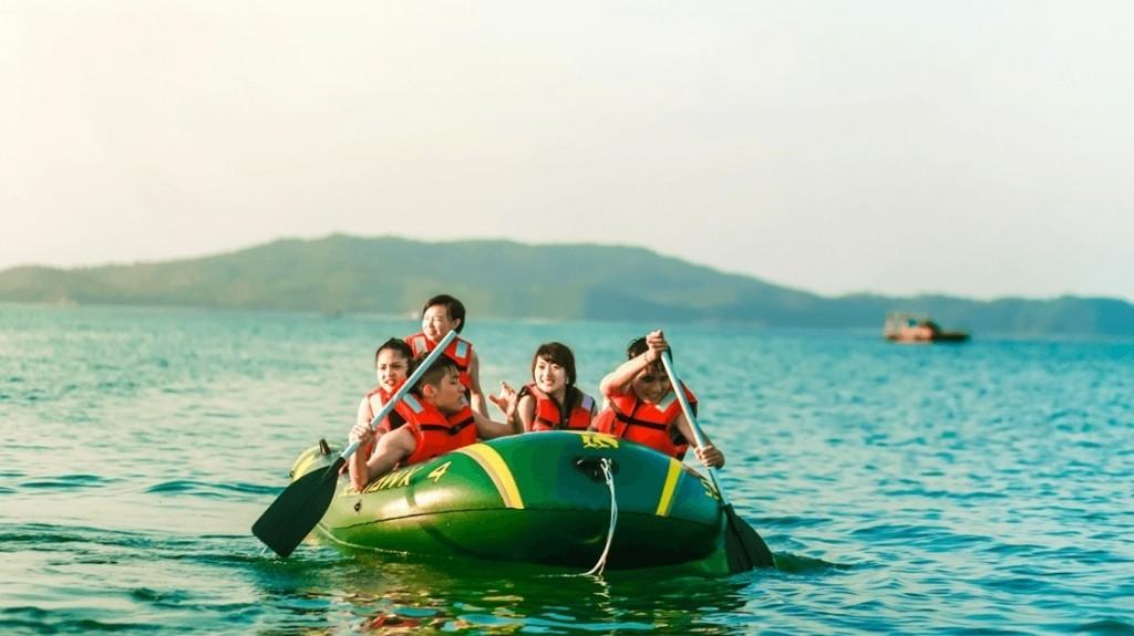 Chèo thuyền Kayak ở Cô Tô - kinh nghiệm du lịch Cô Tô Quảng Ninh 2018