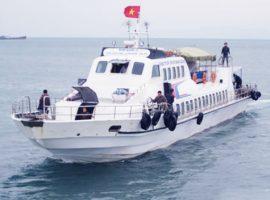Tàu cao tốc ra đảo Cô Tô
