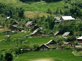 Bản Lác Mai Châu là một trong những địa điểm du lịch nổi tiếng của Hòa Bình