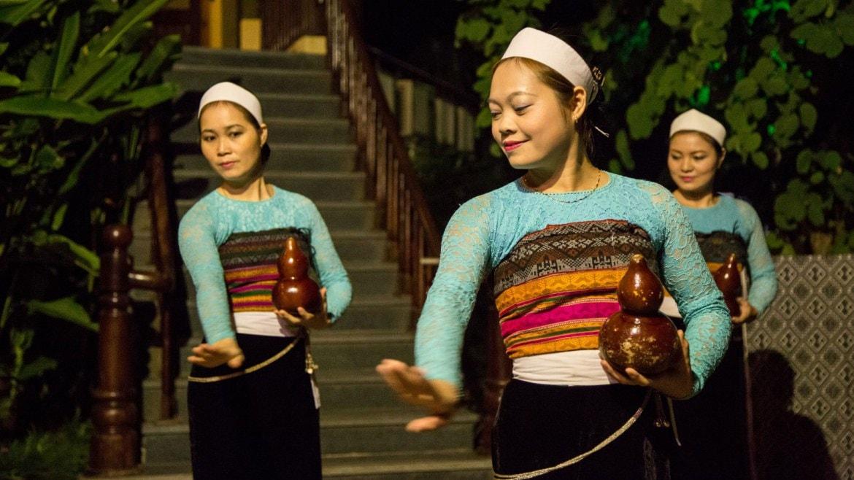 Trang phục dân tộc Thái Mai Châu