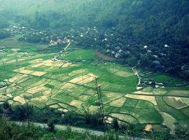 Hình ảnh thung lũng Mai Châu từ trên cao nhìn xuống như bức tranh thủy mặc