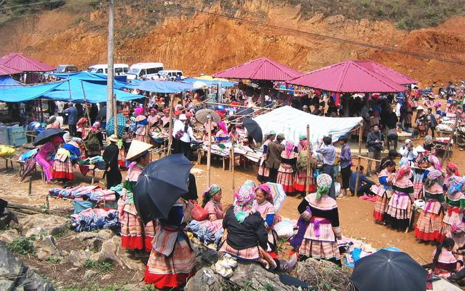 Chợ phiên Mèo Vạc là vấn đề được nhiều du khách quan tâm khi tới du lịch Hà Giang