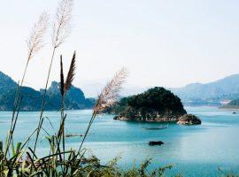 Thung Nai Hòa Bình hấp dẫn khách ngay cái nhìn đầu tiên