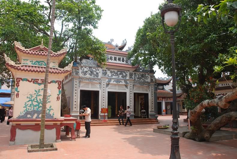 Phủ Tây Hồ là nơi linh thiêng bậc nhất tại Hà Nội