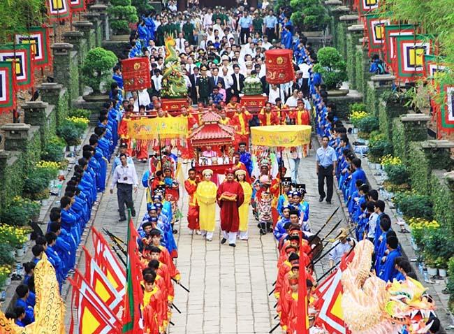 Đền Hùng nằm ở vùng đất Tổ Phú Thọ