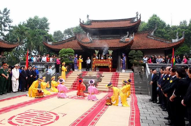 Đền Hùng là di tích lịch sử vô cùng nổi tiếng
