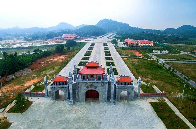 Có khá nhiều đường đi từ Hà Nội lên đền Hùng