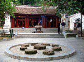 Đền Trung là nơi thờ 18 vị Vua Hùng