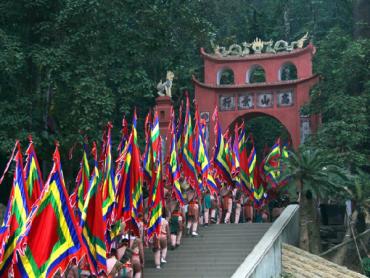 Lễ hội đền Hùng là dịp con cháu đất Việt hướng về cội nguồn