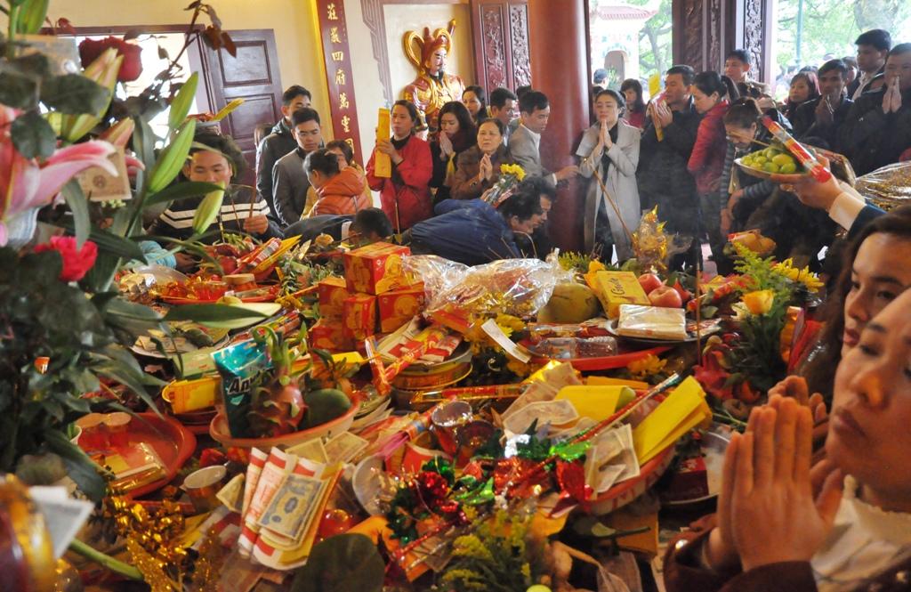 Phủ Tây Hồ là địa điểm linh thiêng ở Hà Nội