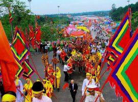 Lịch trình đi lại khi tới với Đền Hùng của nhiều du khách