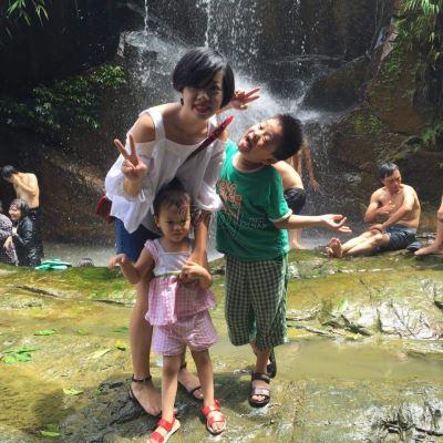 Mẹ con chị Chử Thu Vân tại Khoang Xanh Suối Tiên