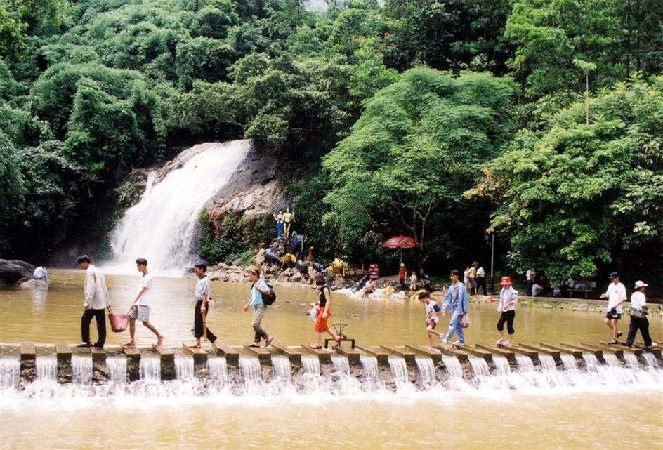 Có nhiều địa điểm vui chơi giải trí ở Khoang Xanh Suối Tiên